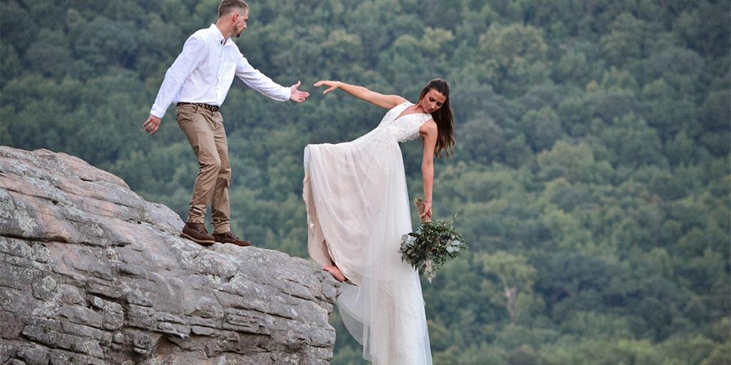 Arkansas Couple Poses On Cliff Edge In Extreme Wedding Photo Shoot Fox News