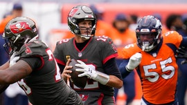 Brady, Barrett lead Buccaneers past Broncos 28-10