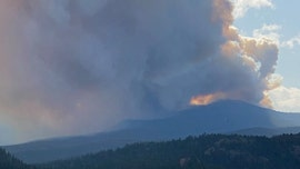 Colorado wildfire grows to third-largest in state history, Denver choked with smoke
