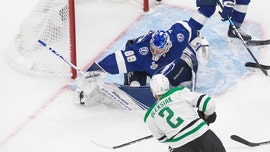 Stars' 4-goal night helps in Game 1 victory over Lightning in Stanley Cup Final