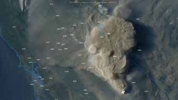 Creek Fire in California generates smoke clouds up to 50,000 feet, hundreds airlifted to safety