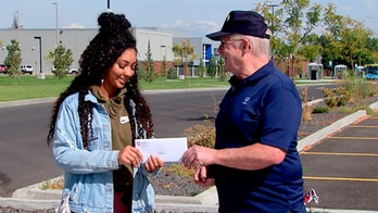 Washington state veterans thank BLM activist who saved US flag from protesters, award college grant