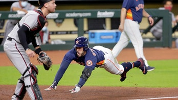 Springer hits inside-the-park HR, Astros top D-backs 3-2
