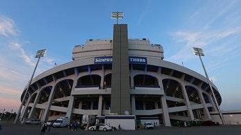 Memphis football debuts 'masked kiss cam' at season-opening game