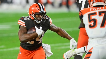 Browns' Baker Mayfield, Nick Chubb help team to first win of 2020 season