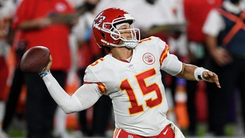 Brittany Matthews flips off Patrick Mahomes haters during Chiefs' win