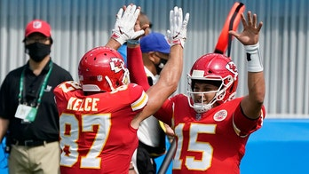 Patrick Mahomes stays red hot in September with win vs. Chargers