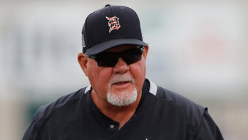Tigers' Ron Gardenhire abruptly retires before end of season