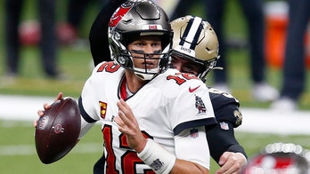 Bucs' Tom Brady makes light of age ahead of matchup against Saints' Drew Brees