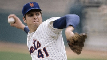 Tom Seaver's daughter Anne shares one last picture of her father