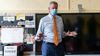 De Blasio to keep NYC schools open Monday after warning parents of return to remote learning