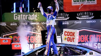 Kevin Harvick wins NASCAR playoff opener at Darlington