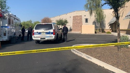 Body of newborn baby boy found behind Arizona strip mall, police turn to public for help