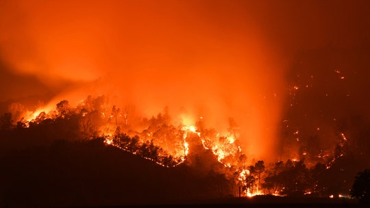 California wildfire triples in size as Glass Fire rages through Napa, Sonoma counties