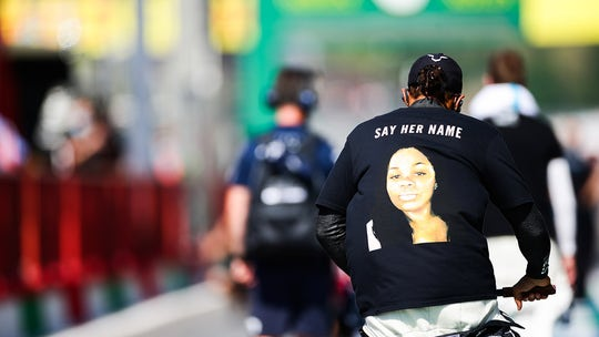 FIA clears F1 champ Lewis Hamilton for Breonna Taylor T-shirt, will issue guidance