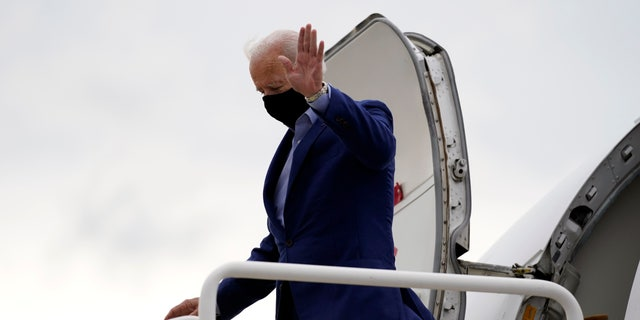 Democratic presidential candidate former Vice President Joe Biden arrives at Cleveland Airport in Cleveland, Tuesday, Sept. 29, 2020, for the first presidential debate against President Donald Trump. (AP Photo/Andrew Harnik)