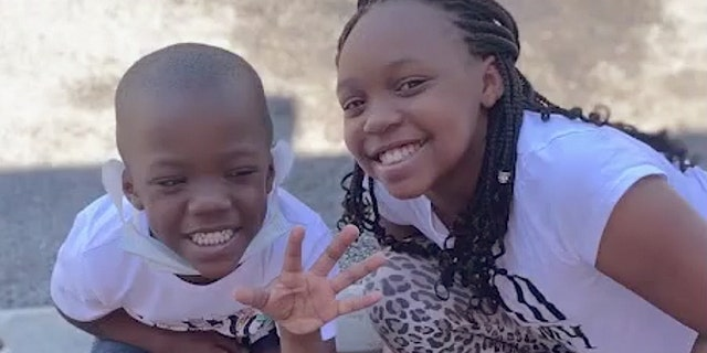 The crash killed Da'Karia Spicer, right, and left her brother Dhaamir in critical condition. (Fox32 Chicago)