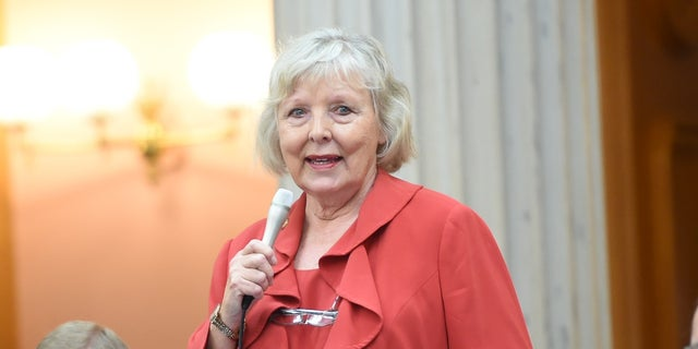 代表. Diane Grendell of Ohio has led a push to reopen schools and businesses in full.