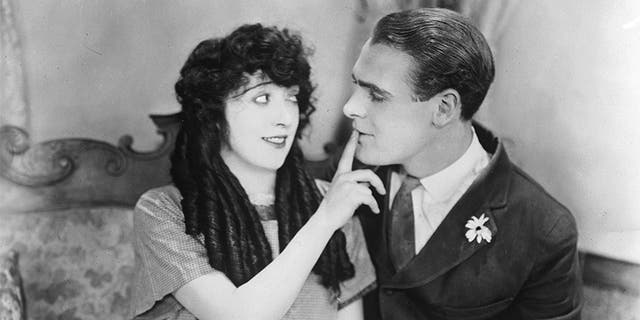 Mabel Normand (1892 - 1930) stars with Ralph Graves (1901 - 1977) in the 1923 Mack Sennett comedy 'The Extra Girl,' directed by F Richard Jones.