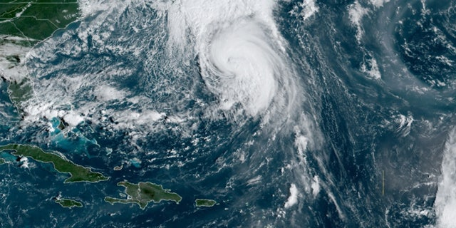Bermuda braces for wind, rain as Hurricane Teddy approaches