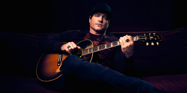 "Jerrod Niemann is releasing songs every few weeks as part of his latest ""collection,"" ""Lost & Found."""