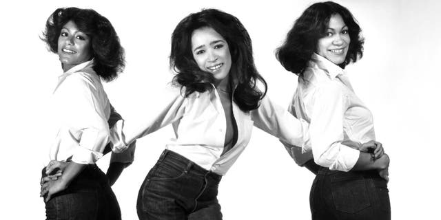Ronnie Spector (sentrum) and The Ronettes. (Photo by Michael Ochs Archives/Getty Images)