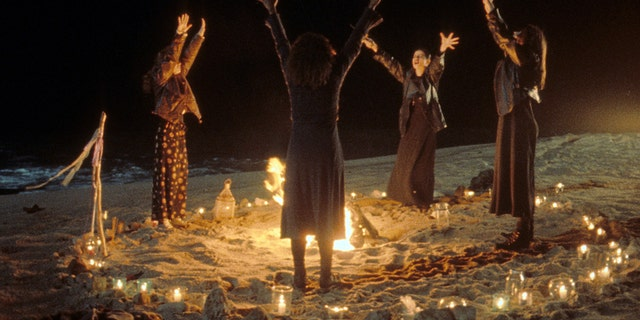 'The Craft' is coming to Amazon Prime Video just in time for Halloween.