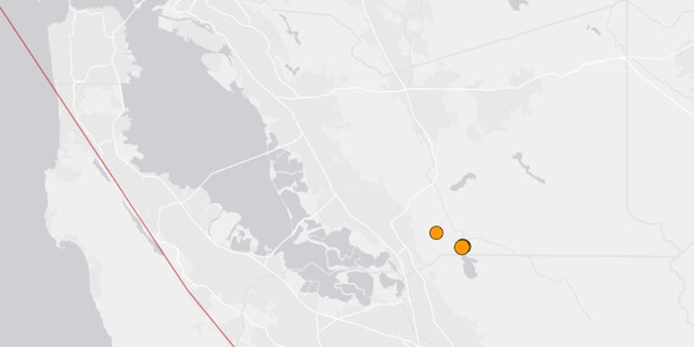 Four small earthquakes rattled the northern area of the Calaveras Reservoir in Northern California on Tuesday morning, volgens amptenare.
