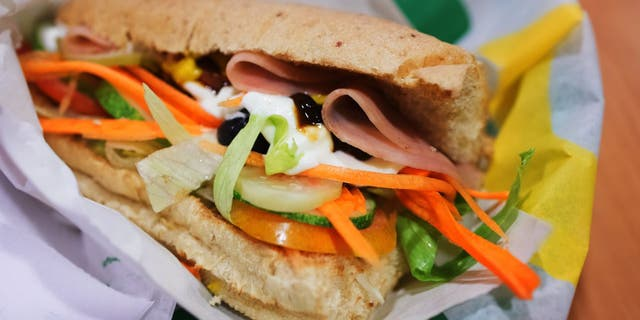 The Irish Supreme Court says the bread used in Subway sandwiches has too much sugar for VAT tax exemption. (iStock)