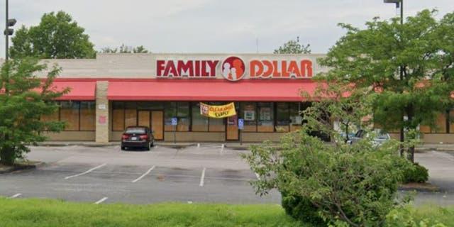 Un homme de Saint-Louis fait face à des accusations criminelles et a été abattu après une dispute au sujet de son refus de porter un masque dans un magasin Family Dollar. (Google Maps)