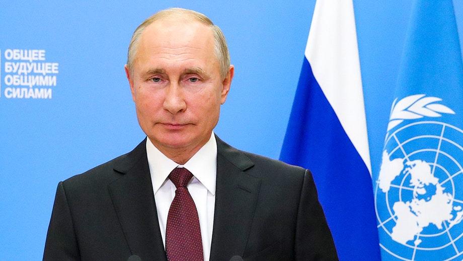 Putin touts Russian coronavirus vaccine, offers it to UN staff for free