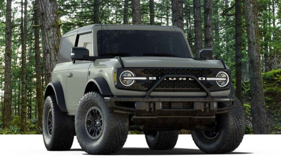 Ford responds to Bronco fans, will offer 'Sasquatch' extreme off-road option with a stick shift