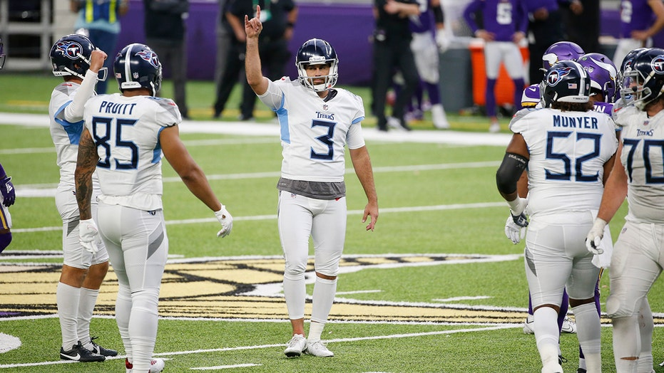 Titans kicker Stephen Gostkowski enters league of his own in Week 3 win over Vikings