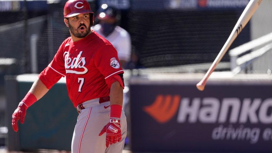 Reds, Braves set postseason record for scoring futility