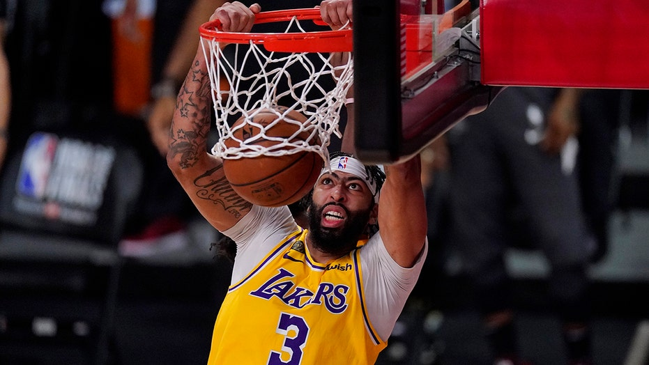 Anthony Davis re-joins Lakers on five-year deal