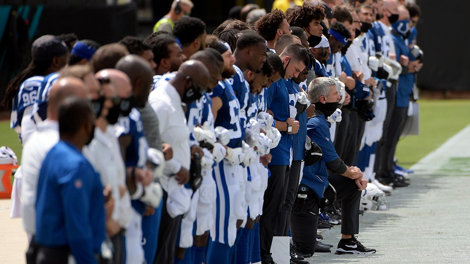 Colts coach Frank Reich explains decision to kneel during national anthem