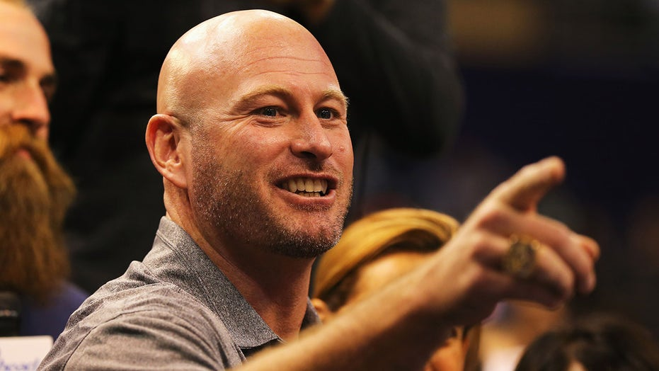 Trent Dilfer shares story behind touching moment between kid reporter, Tom Brady before Super Bowl LI