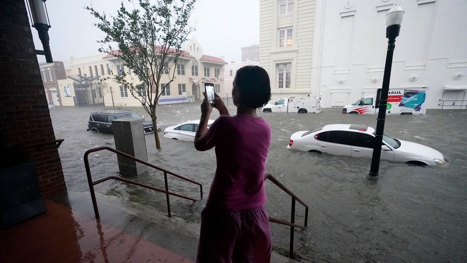 Strong winds cause destruction as Hurricane Sally moves across Gulf states