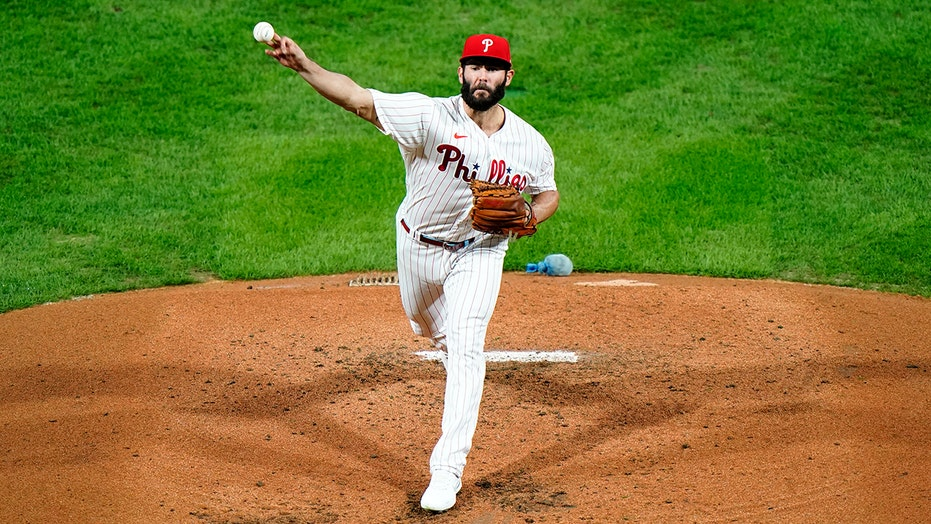 Phils' Arrieta out for regular season with hamstring injury