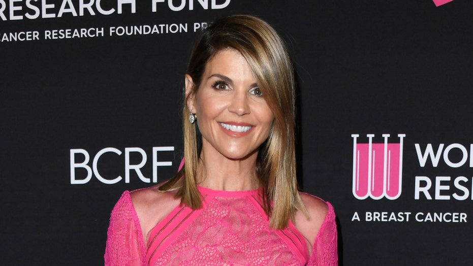 Lori Loughlin missing from 'Full House' reunion
