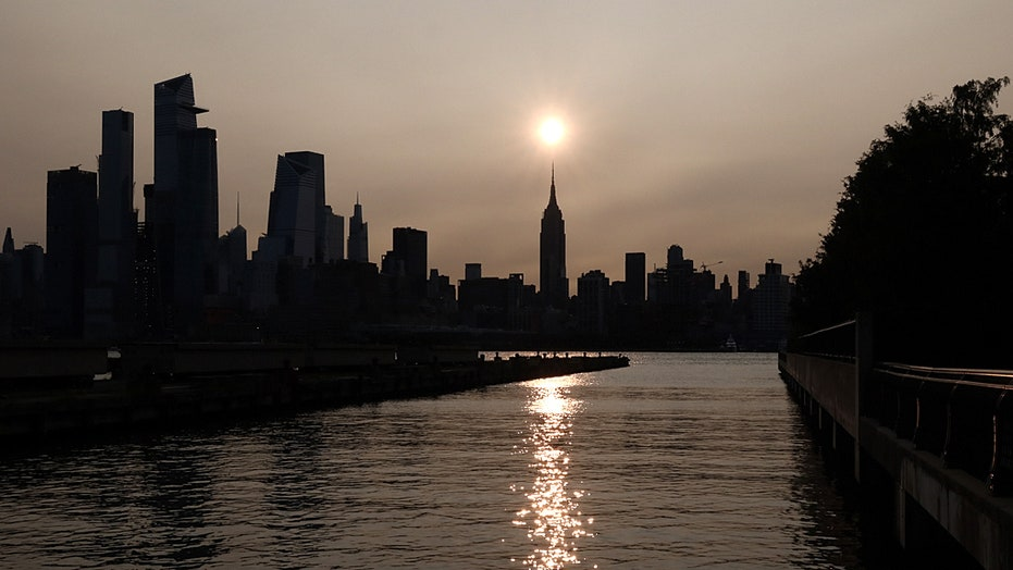 Wildfire smoke from West Coast drifts through Midwest, reaches NYC and New England