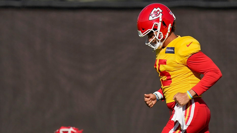 'Just a normal guy': Chiefs' Mahomes shares life with world