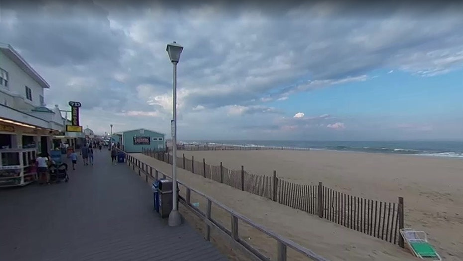 Labor Day on NJ beach turns bloody after police respond to report of two people stabbed
