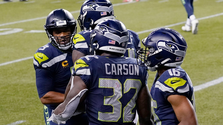Russell Wilson, Seahawks hang on to defeat Patriots in nail-biter