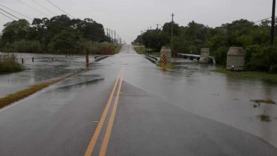 Tropical Storm Beta takes aim at Texas, Louisiana as Gulf Coast sees storm surge, flooding