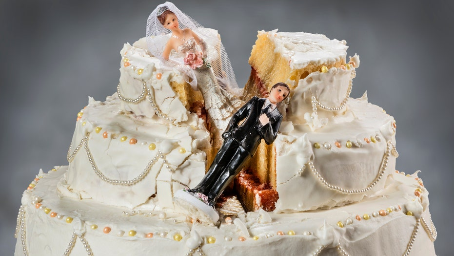 Twitter account featuring 'absolutely terrifying' cakes goes viral