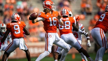 No. 1 Clemson wakes up late to beat Syracuse 47-21