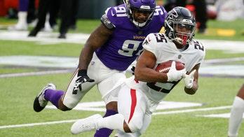 Vikings trade DE Yannick Ngakoue to Ravens for draft picks