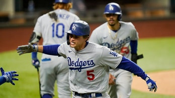 Smith off Smith, Seager 2 HRs as Dodgers beat Braves in NLCS