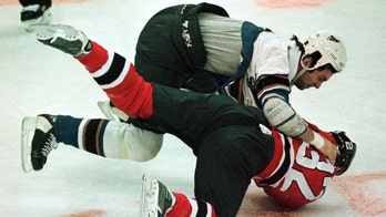Ex-NHL enforcer calls for ban on fighting in youth sports